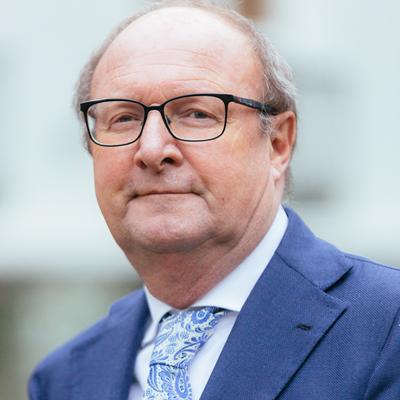 drs. Jan  Beer